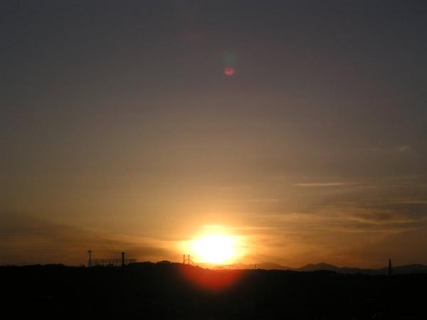朝日・夕日(朝焼け・夕焼け)のフリー写真素材 無料画像